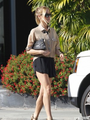 kristin-cavallari-black-shorts-west-hollywood-10-675x900