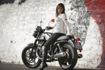 01d92-moto_guzzi_v7_stone_girl_22