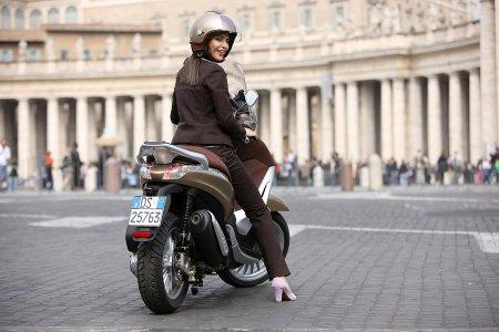 Piaggio Beverly 2010 - Serie 2 - 04