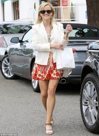 Reese-Witherspoon-Land-Rover-600x829