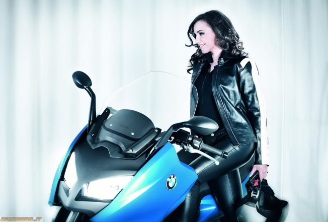 Bmw C600 - ridin girl - 01