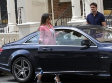 0004-Kelly-Brook-out-and-about-candids-in-London-011