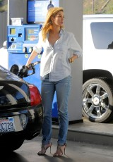 Delta Goodrem gas station LA 041914_04