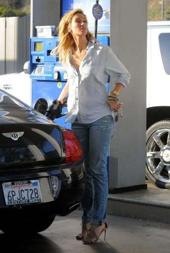 Delta Goodrem gas station LA 041914_09