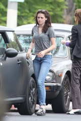 Actress Kristen Stewart gets into a minor accident in Hollywood
