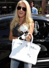 heidi_montag_and_spencer_loves_to_be_the_center_of_atten_003