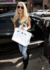 heidi_montag_and_spencer_loves_to_be_the_center_of_atten_006