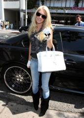 heidi_montag_and_spencer_loves_to_be_the_center_of_attention