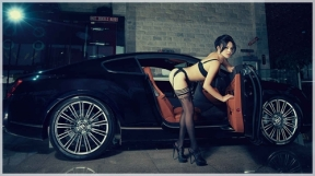 Girl%2520vs%2520Bentley%2520Continental%2520GT%2520Speed%252
