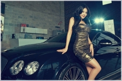 Girl%2520vs%2520Bentley%2520Continental%2520GT%2520Speed_014