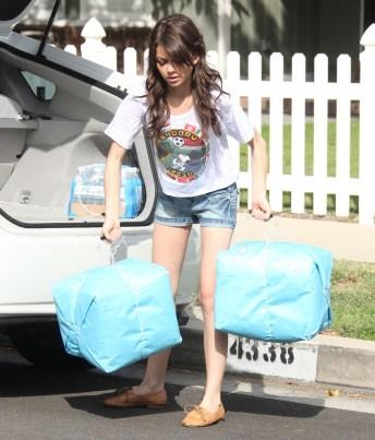 Sarah-Hyland-Wearing-Denim-Shorts-In-LA-08